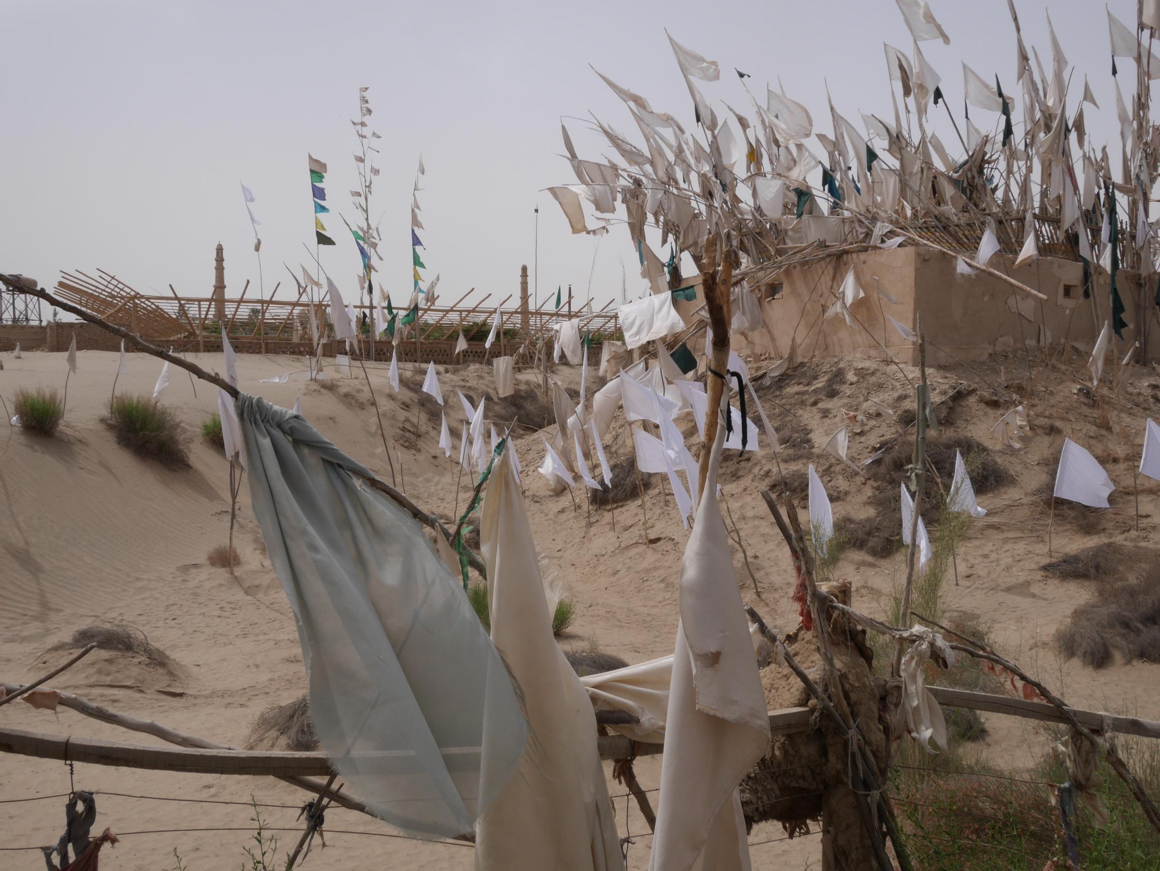 Xinjiang Desert Tomb_resize