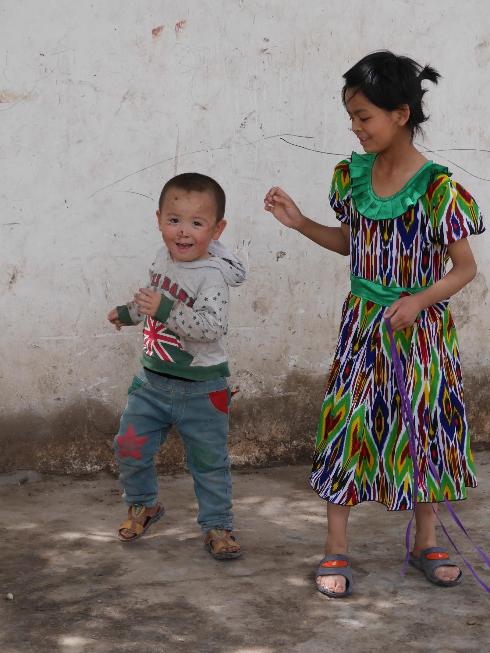 Xinjiang Playing Kids_resize